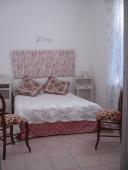 chambre-à-coucher avec lit en 140